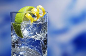 Como beber mais água durante o dia